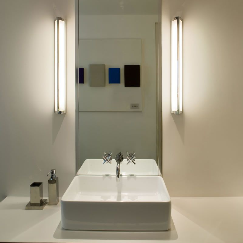 A Wall Mounted Fluorescent Bathroom Light Ideal For Either Side Or Above Mirror In