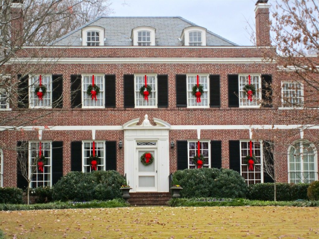 Exterior, Charming Christmas Decorating Idea Bright Red Ribbons Simple  Green Wreaths