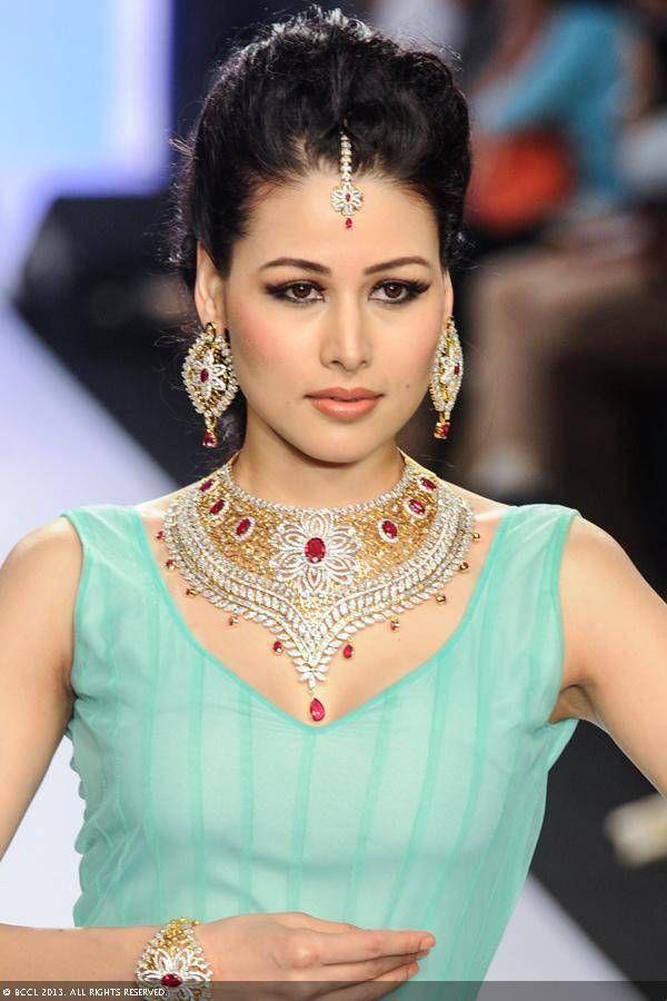 GIA  http://www.giaindia.in/gia/index.aspx @ India International Jewellery Week 2013