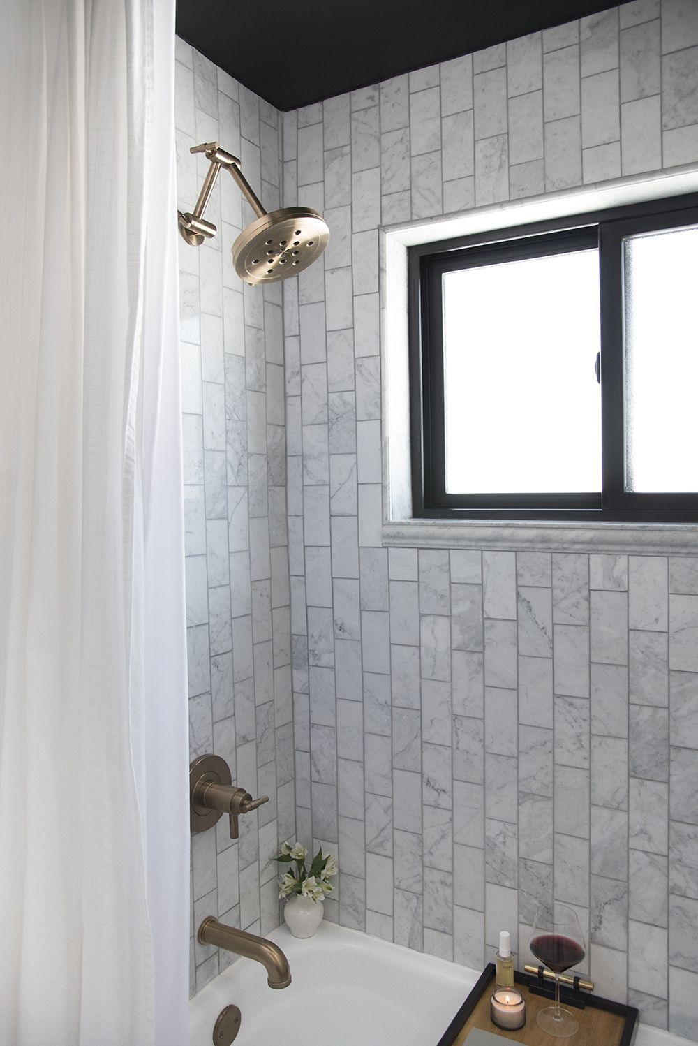 How To Make A Small Bathroom Look Larger Inexpensive Bathroom