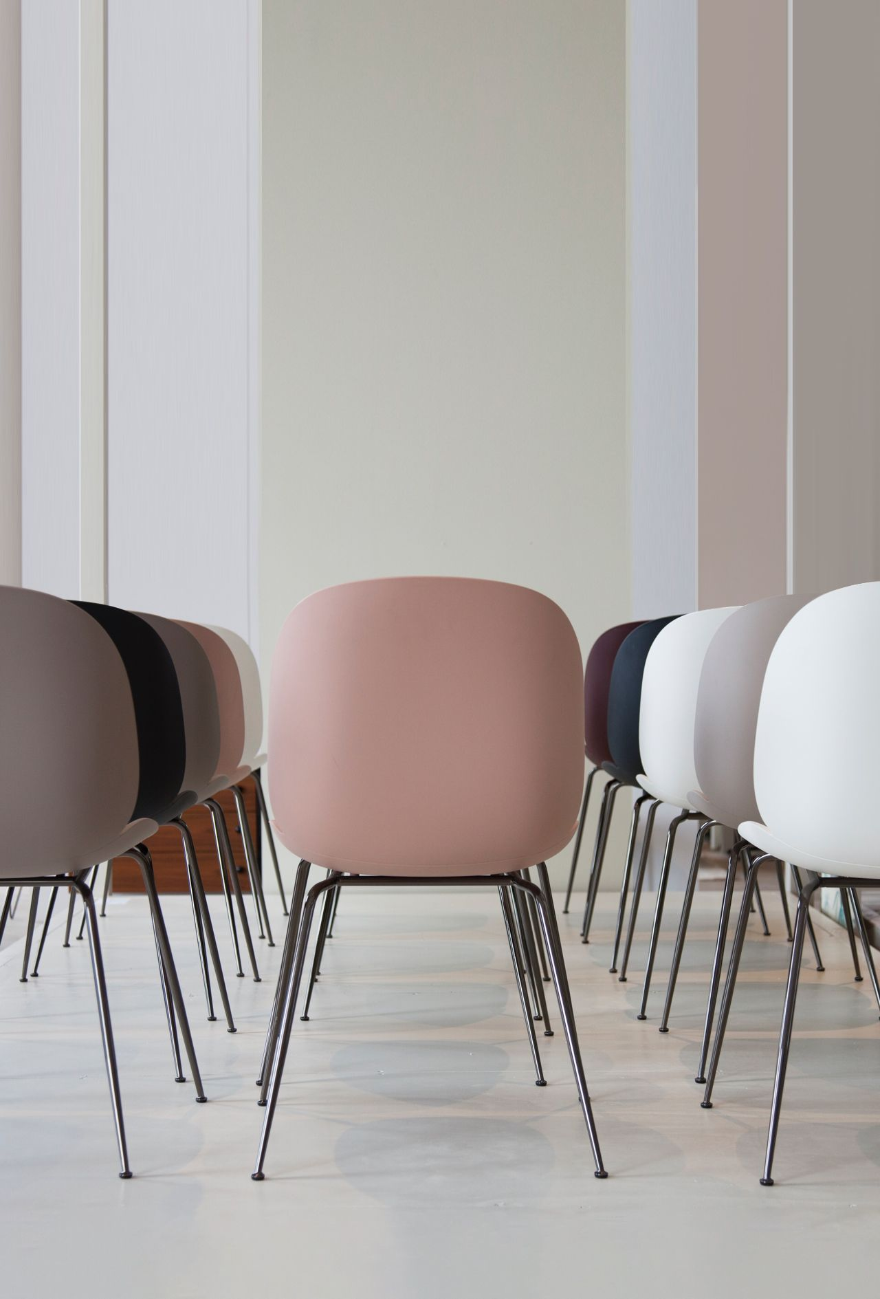 Buy The Gubi Beetle Dining Chair In 2020 Gubi Beetle Dining Chair Dining Chairs Chair