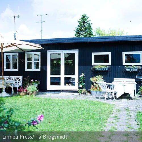 charmanter schrebergarten wiese schrebergarten und terrasse. Black Bedroom Furniture Sets. Home Design Ideas