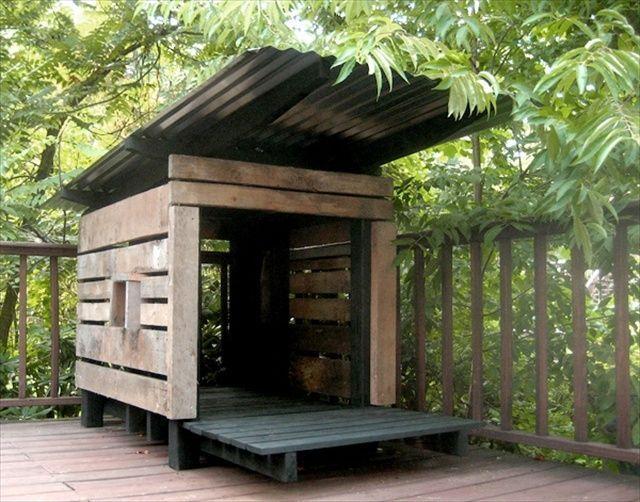 10 Idees Pour Fabriquer Une Niche Pour Chien Maison Pour Chien Niche Chien Abri Pour Chien