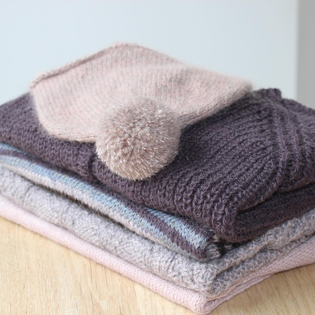 "Fra booklet ""Warm knit for cool kids"" ➿ #knit #strik #isager #isagergarn #warmknitforcoolkids #susiehaumann ------------ From (Danish) booklet ""Warm knit for cool kids"""
