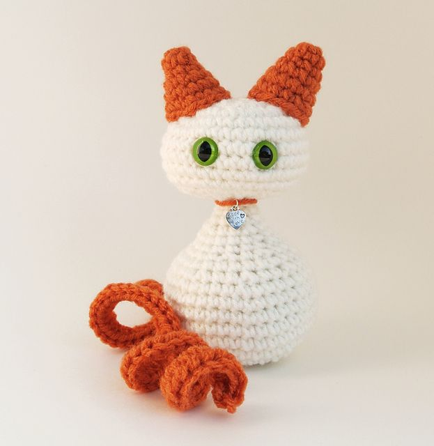 Ravelry: Cat Amigurumi pattern by Marie B. Ouimet | 640x623