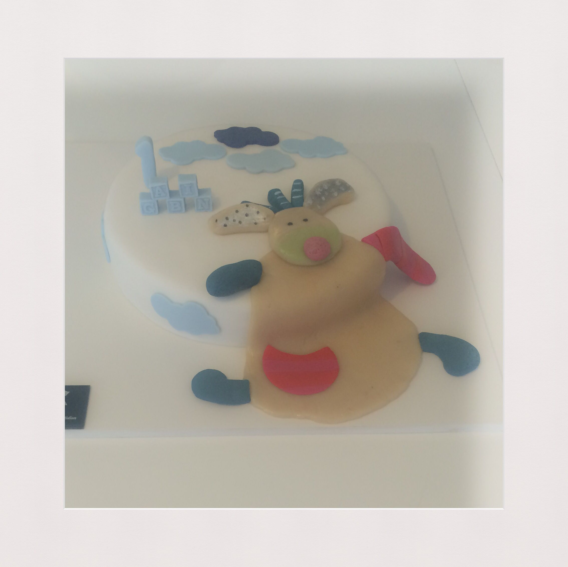 Doudou cake by VIC
