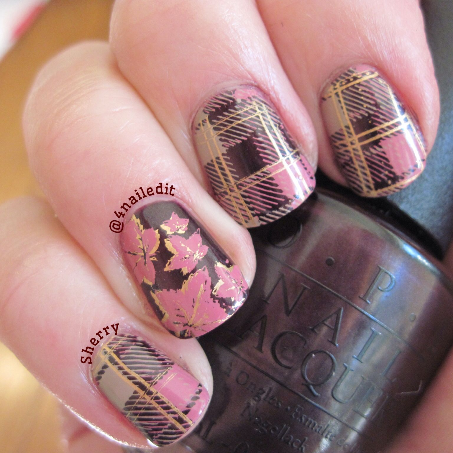 OPI Lincoln Park At Midnight Moyou London Plaid stamped nails | Fall ...