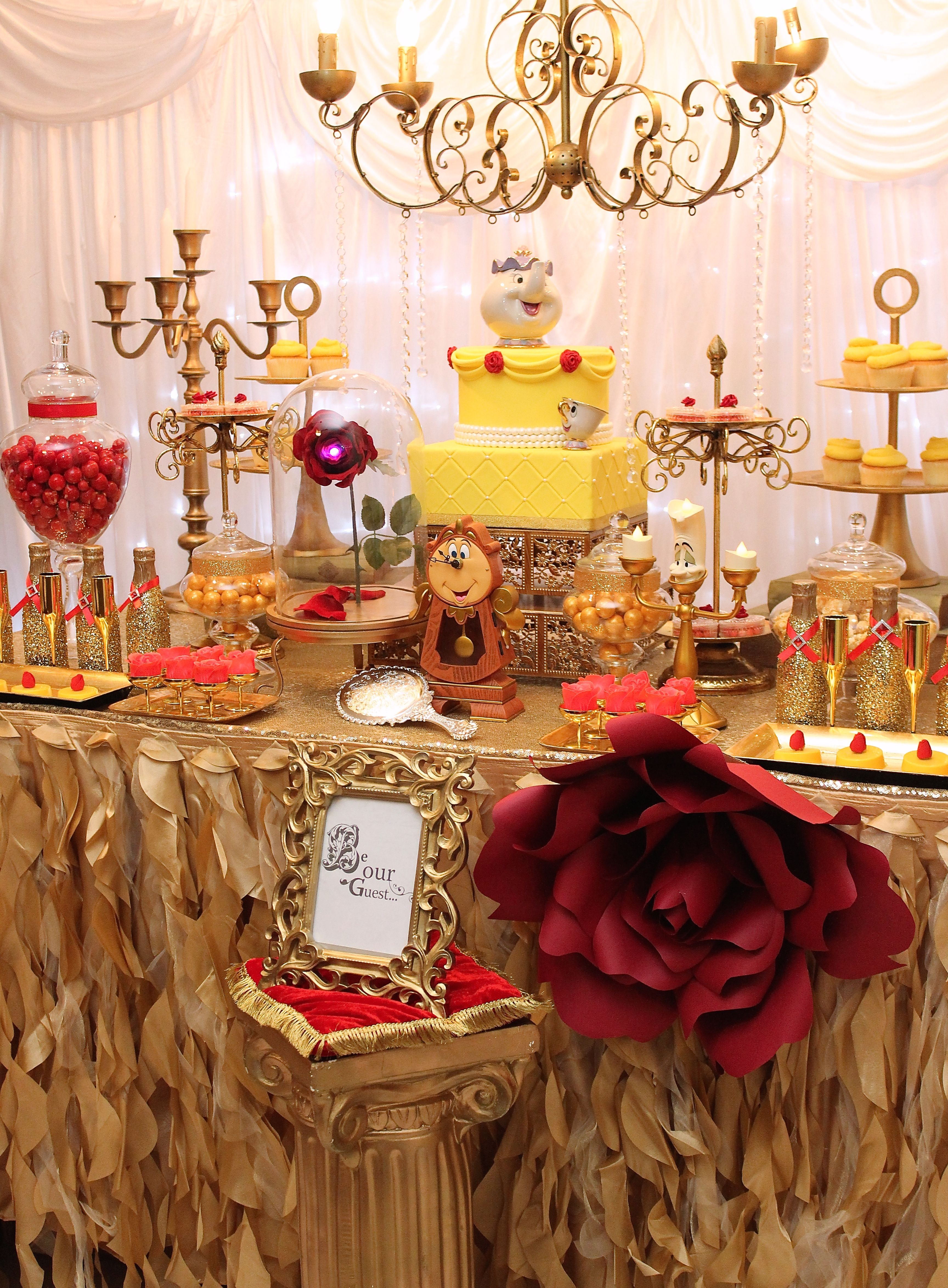 Beauty and the beast desserts table paper flowers - La table a dessert ...