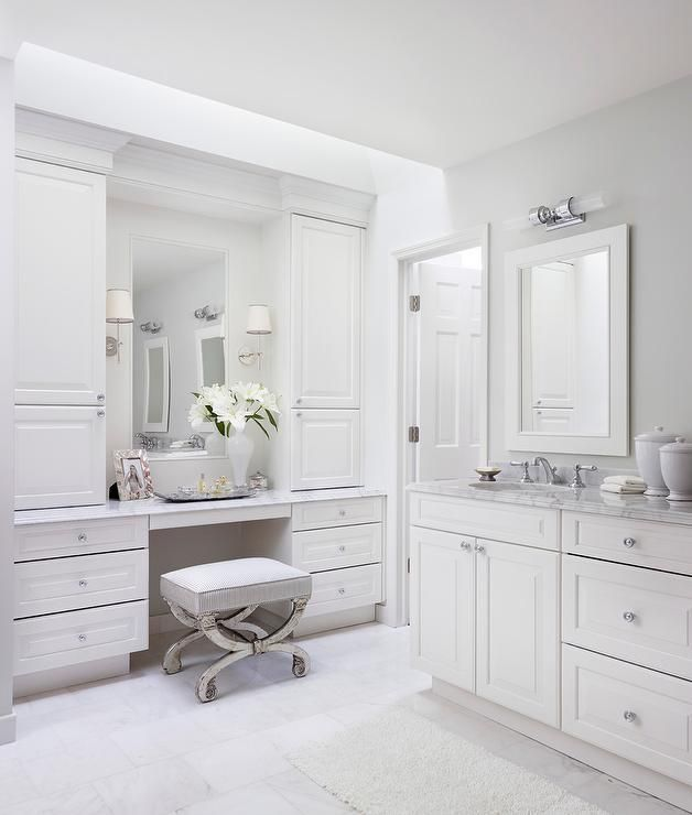 White And Gray Bathroom With Mirrored Vanity Stool Transitional Bathroom Contemporary White Bathrooms Elegant Bathroom Bathroom Vanity Stool