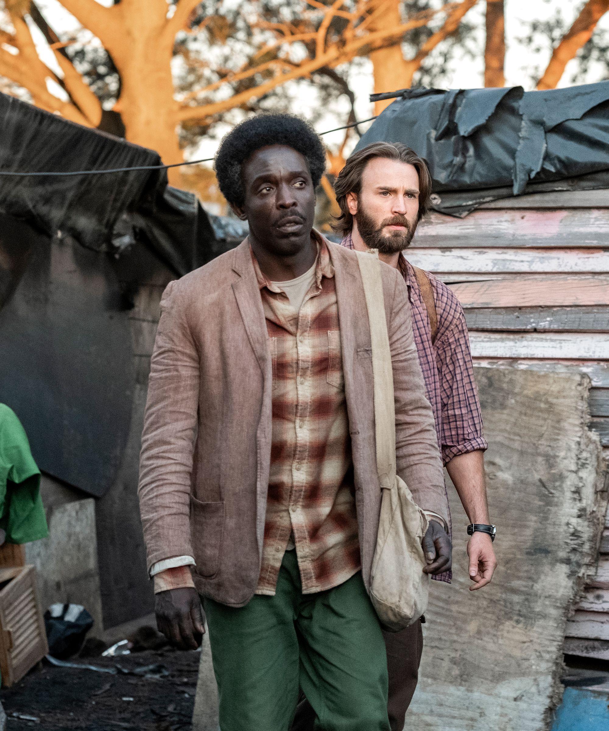 The Wild True Story That Inspired Chris Evans' New Netflix