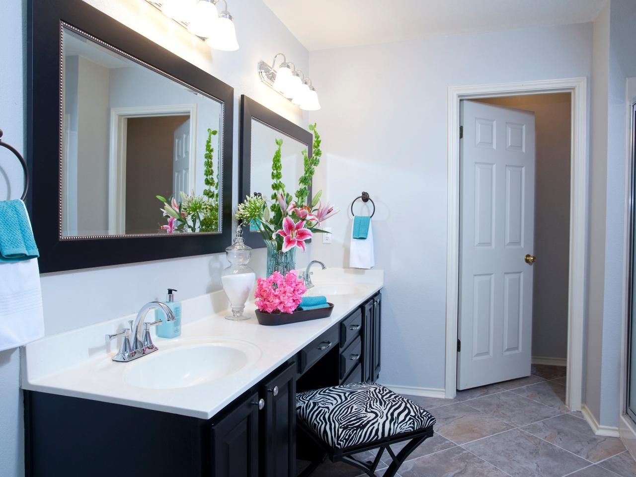 Double Sink Vanity With Chair In Between For Getting Ready