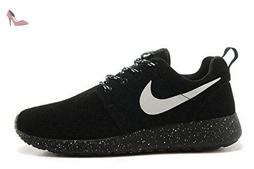 Nike Roshe One womens (USA 8) (UK 5.5) (EU 39) Chaussures