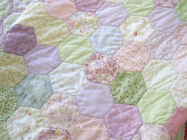Sarah Lizzies: Oh no......not another hexagon quilt!!   Sewing ... : how to quilt a hexagon quilt - Adamdwight.com