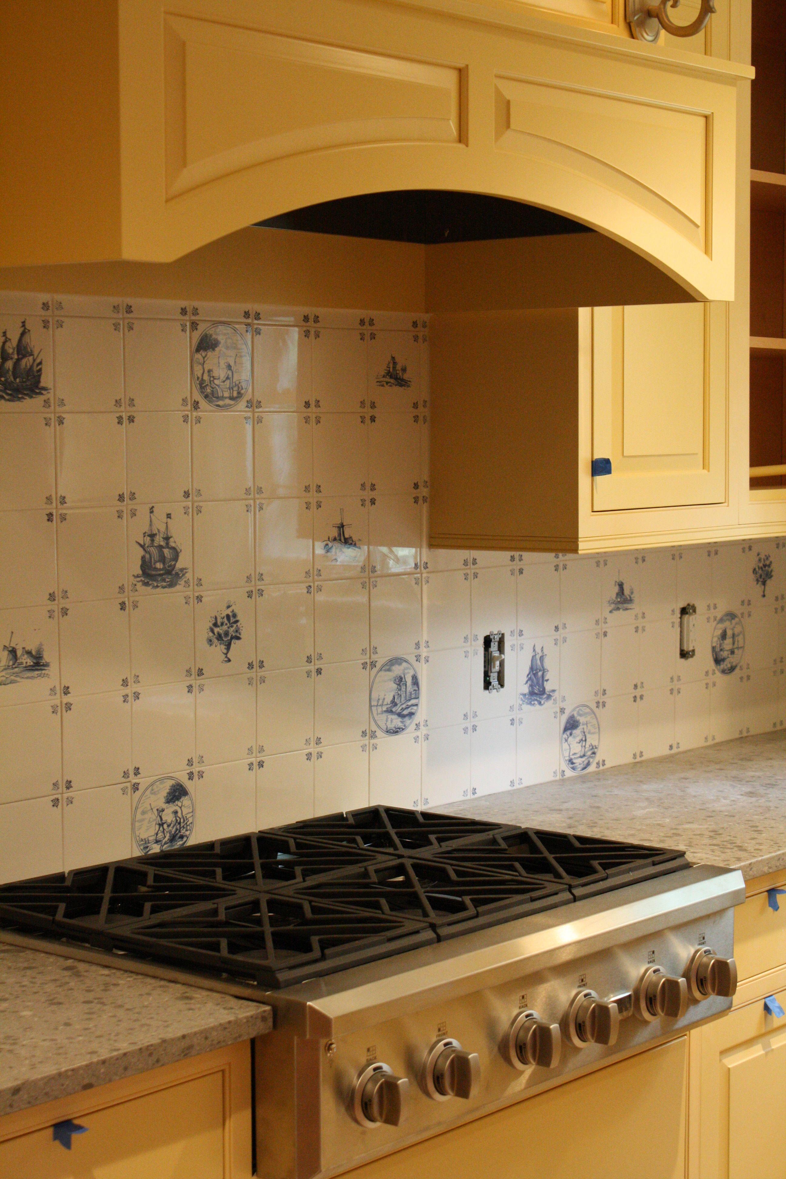 Delft Tile Back Splash Waterford Ct Cottage Kitchens White