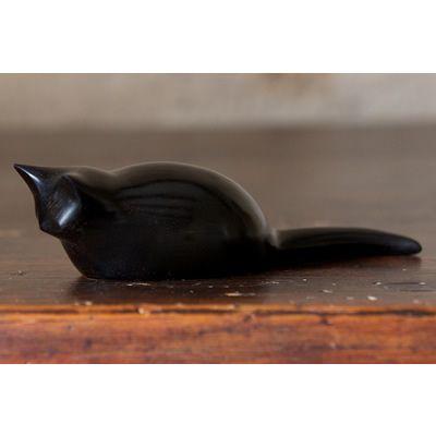 ebony_crouching_cat carving