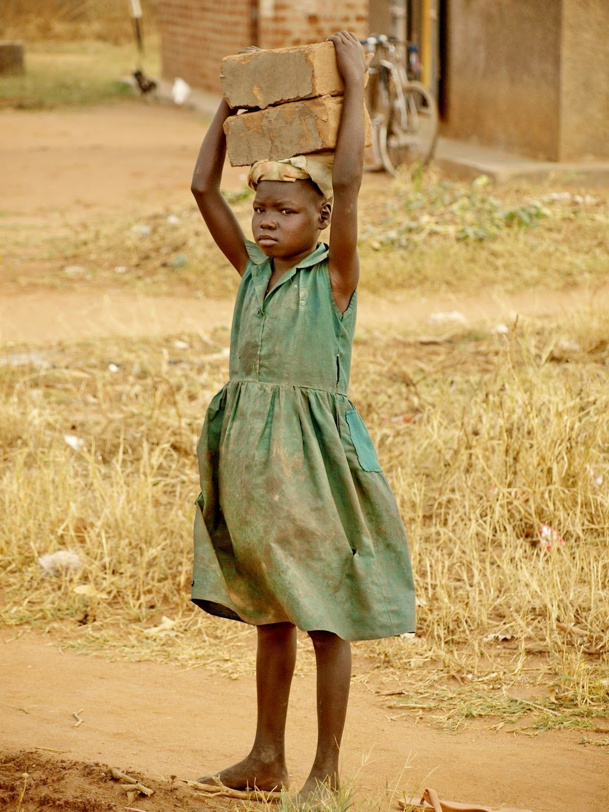 essay indian child labor Child labor in india essaysindia has many crises affecting it at this time among them is the important and sad issue of child labor there are approximately 60 to 115 million child laborers in india (human rights watch, 1996).