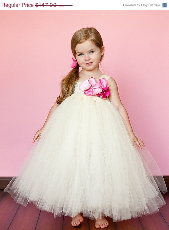 Ivory Flower Girl Tutu Dress with Pink Hydrangea Blossom | Pajes ...
