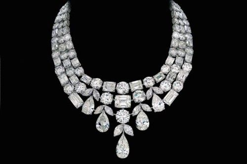 Great great image idea for the necklace that comes from gmmarg.  Graff Diamond Necklace, exquisite!