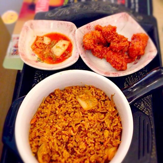 レシピとお料理がひらめくSnapDish - 2件のもぐもぐ - Fried Rice Kimchi @MujigaeResto - Indonesia by emaakbari