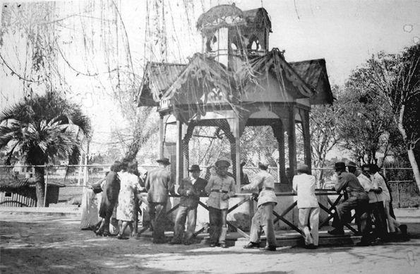 Viveiro de macacos construído em 1932 - Passeio Público
