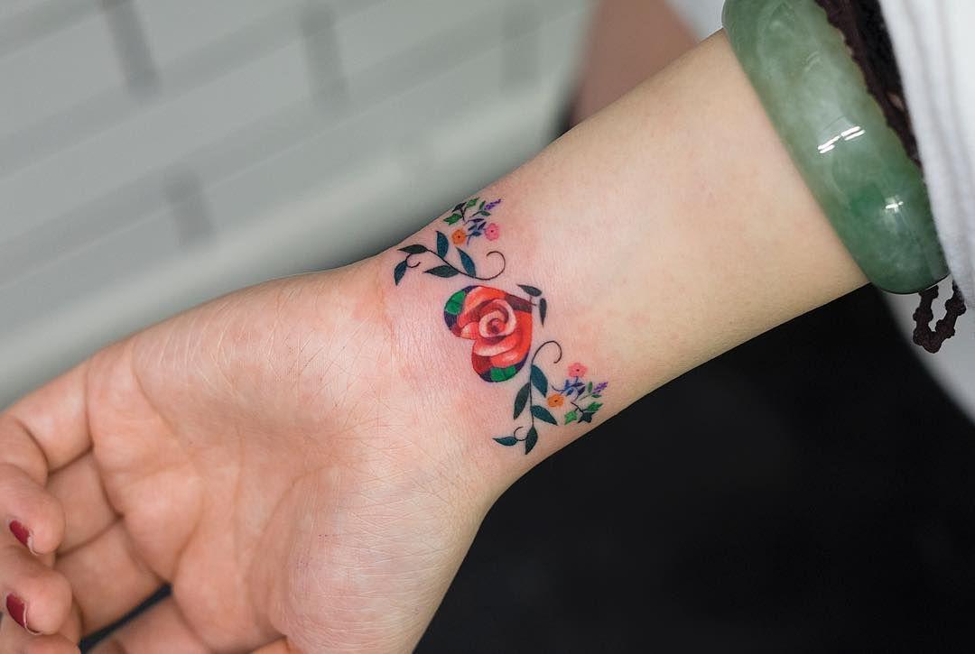 Brazalete De Flores Por Zihee Tattoo Tattoo Tatuajes En La