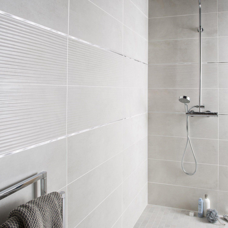 Aspect matière:Métal   Salle de bains blanche et grise, Idée