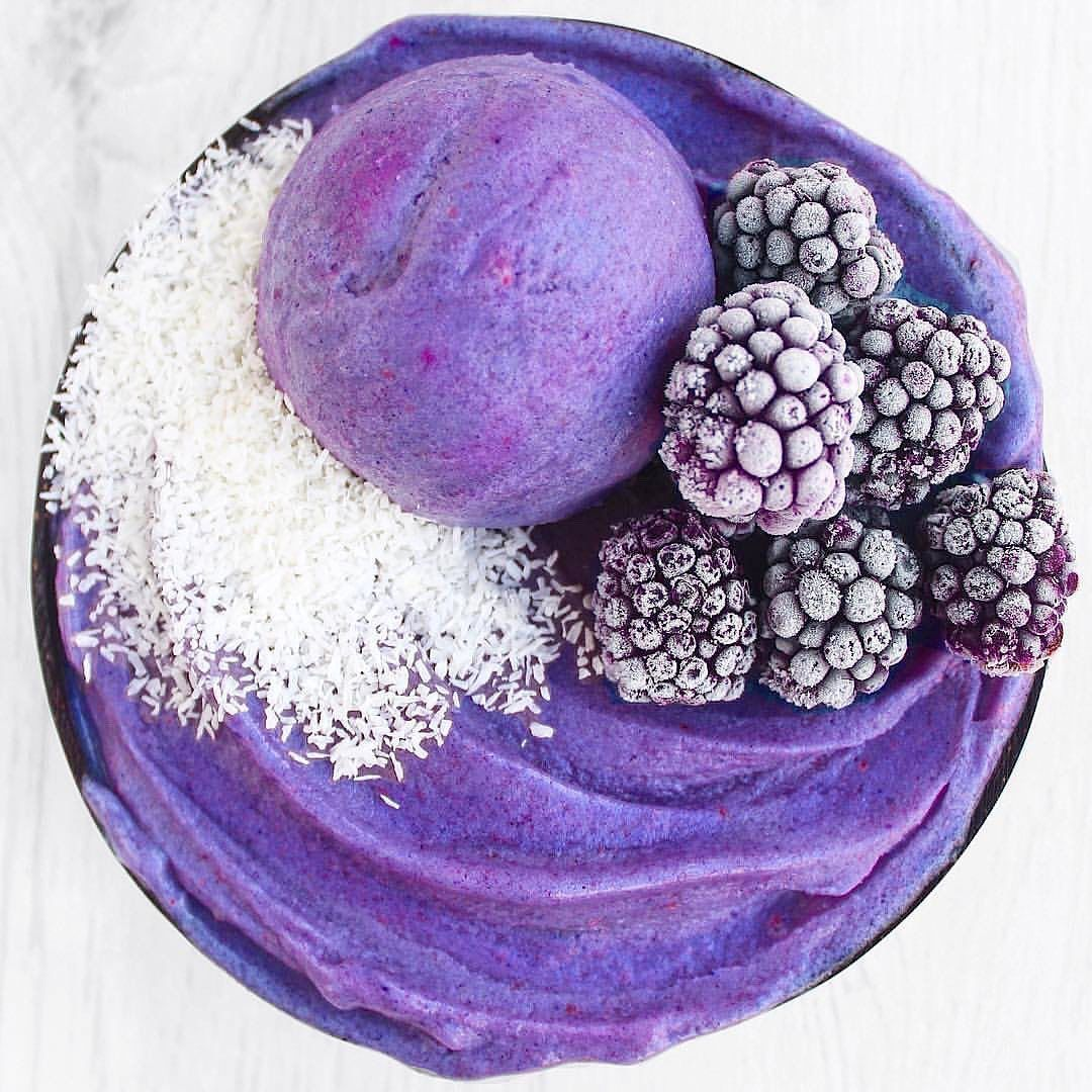 looks (almost) too good to eat! The combination of blackberry, banana, and butterfly pea powder is amazing! What do you all think of this bowl? . . . . . . .    #smoothies     #cupcake     #cupcakes     #smoothiebowl     #smoothierecipes     #icepops     #icecream     #summer  ...