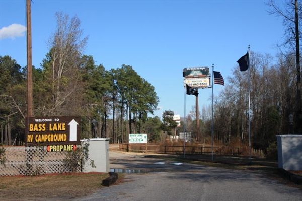 Bass Lake Campground In Dillon South Carolina A Perfect Stop Off With Easy Access For Anyone Headed North Campground Camping Experience Bass Lake