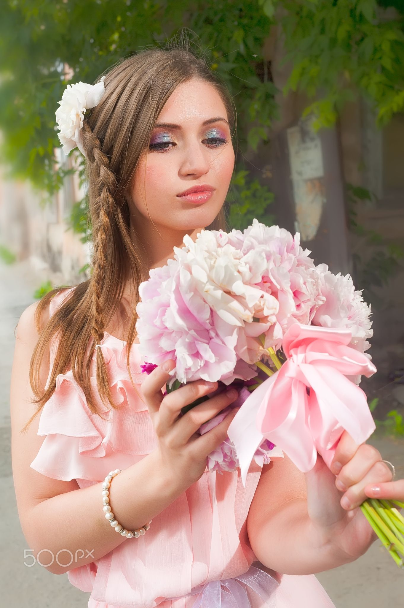 Beautiful woman with flower portrait of a beautiful blonde beautiful woman with flower izmirmasajfo