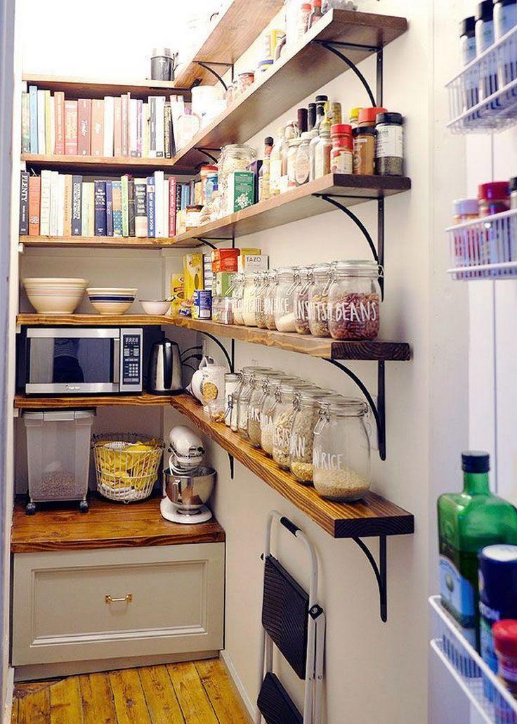 25 Einbau einer kleinen Speisekammer in eine neue Küche