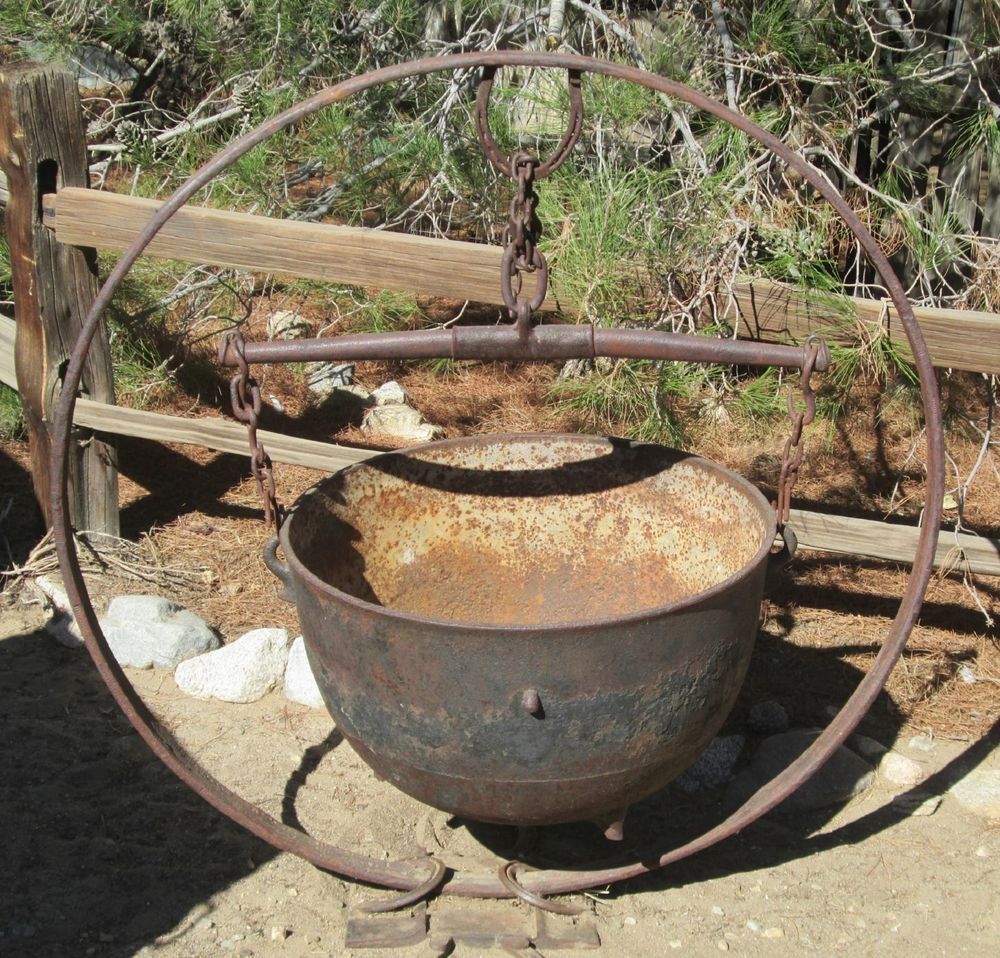 Good Antique Garden Planter Cast Iron Cauldron Single Tree Steel Wagon Tire Folk  Art
