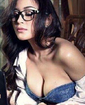 Koleksi Lengkap Gege Fransiska Foto Model Seksi Yang Super Hot