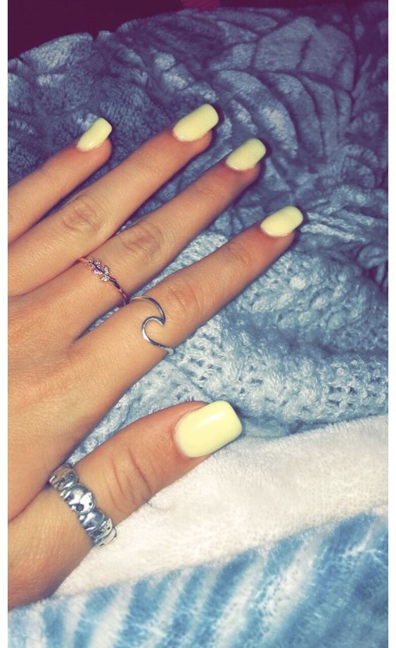 61 Simple Short Acrylic Summer Nails Designs For 2019 In 2020 Pretty Acrylic Nails Yellow Nails Short Acrylic Nails