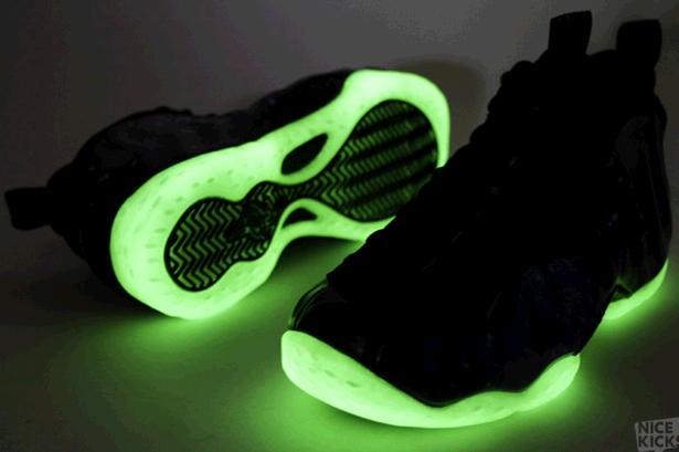 Nike Foamposite Galaxy Glow In The Dark