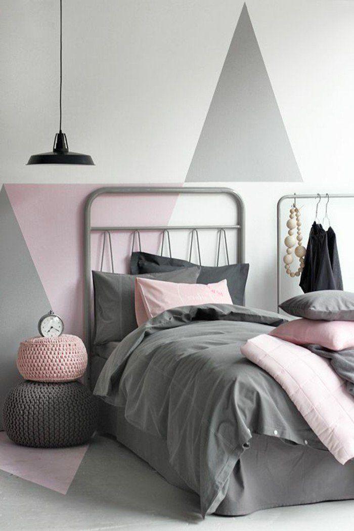 Chambre à coucher mur gris blanc et rose decoration murale