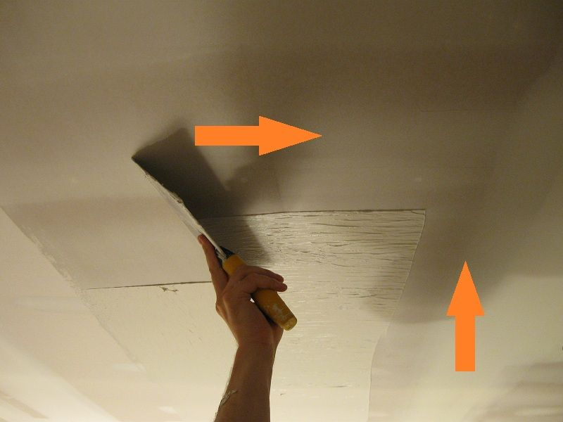 Skimming Drywall Mud In Two Directions