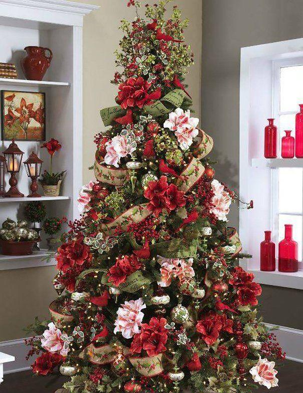 Veja ideias de árvores de Natal decoradas com flores | Árboles de ...