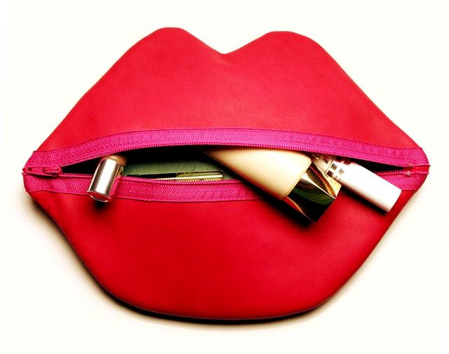 47fdf1be2 Makeup Bag ~Red Lips~ Tutorial | bolsos-carteras-bolsas de merienda ...