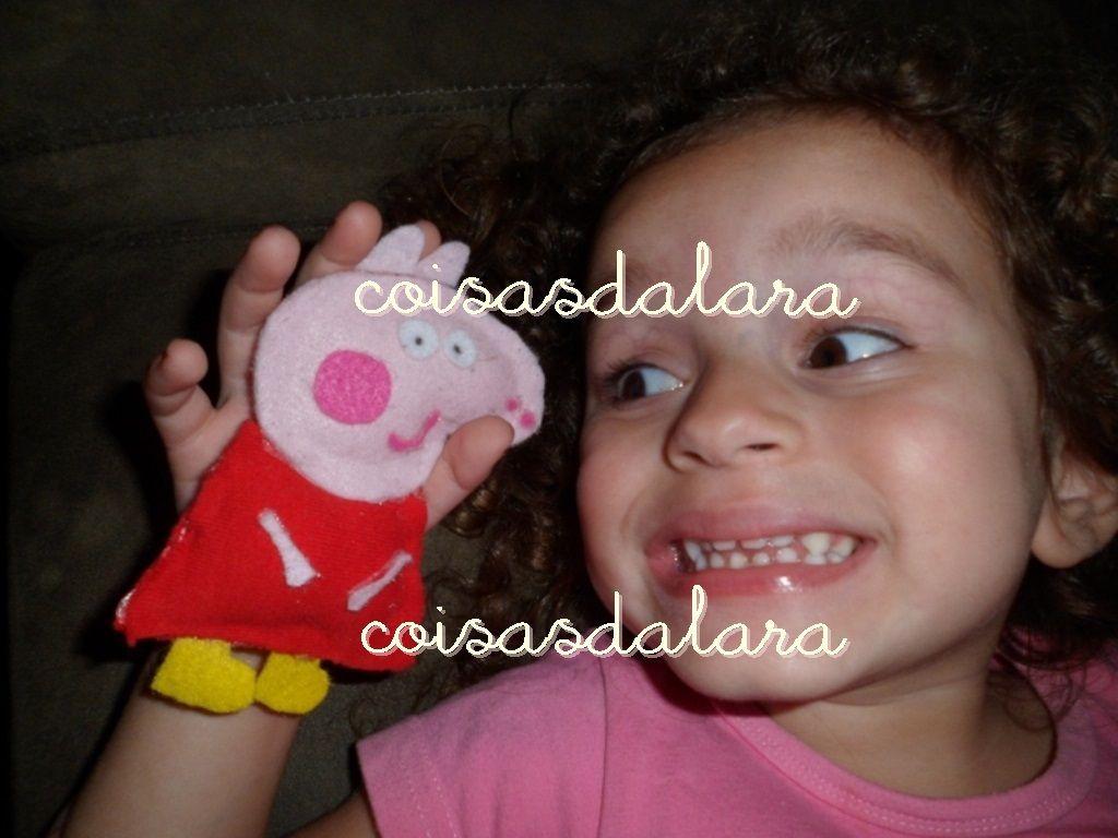 Mamãe Andrea que fez! Peppa Pig by Coisas da Lara! No blog tem como fazer: http://coisas-da-lara.blogspot.com/2013/10/peppa-pig-by-coisas-da-lara.html