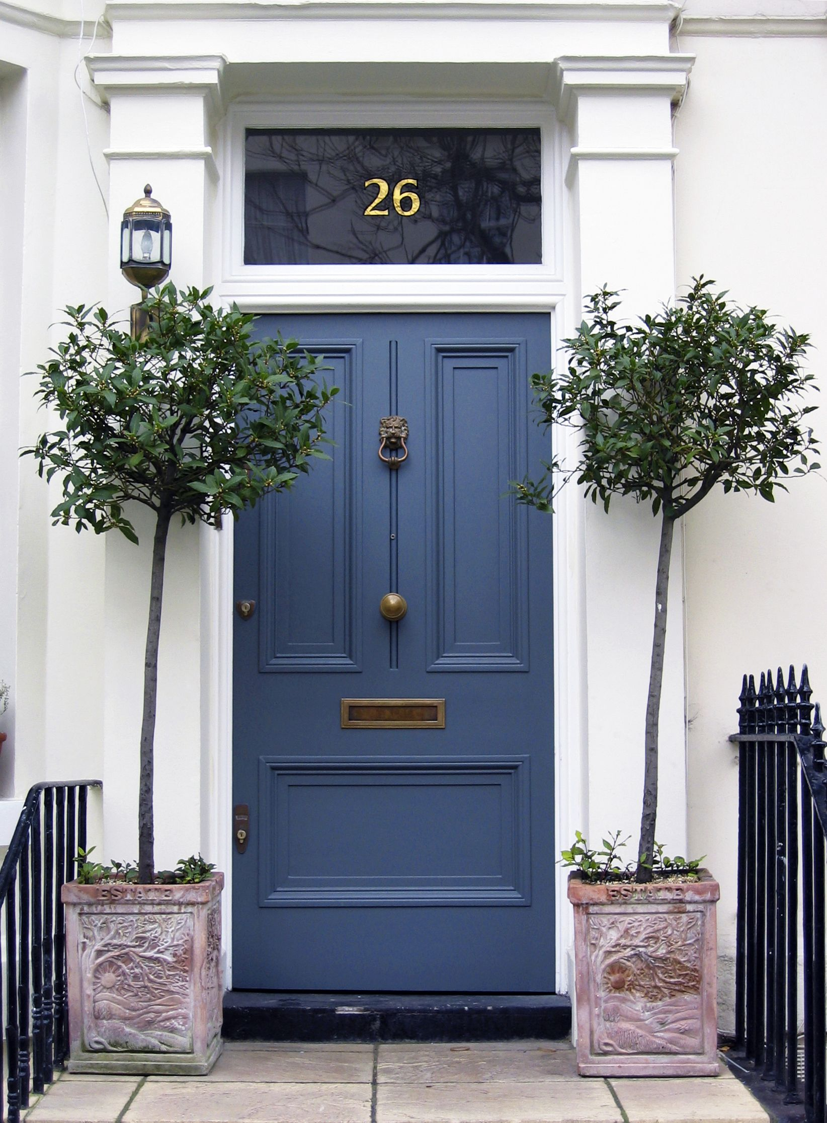 Lovely blue, it makes you want to go inside... | Curb appeal ...