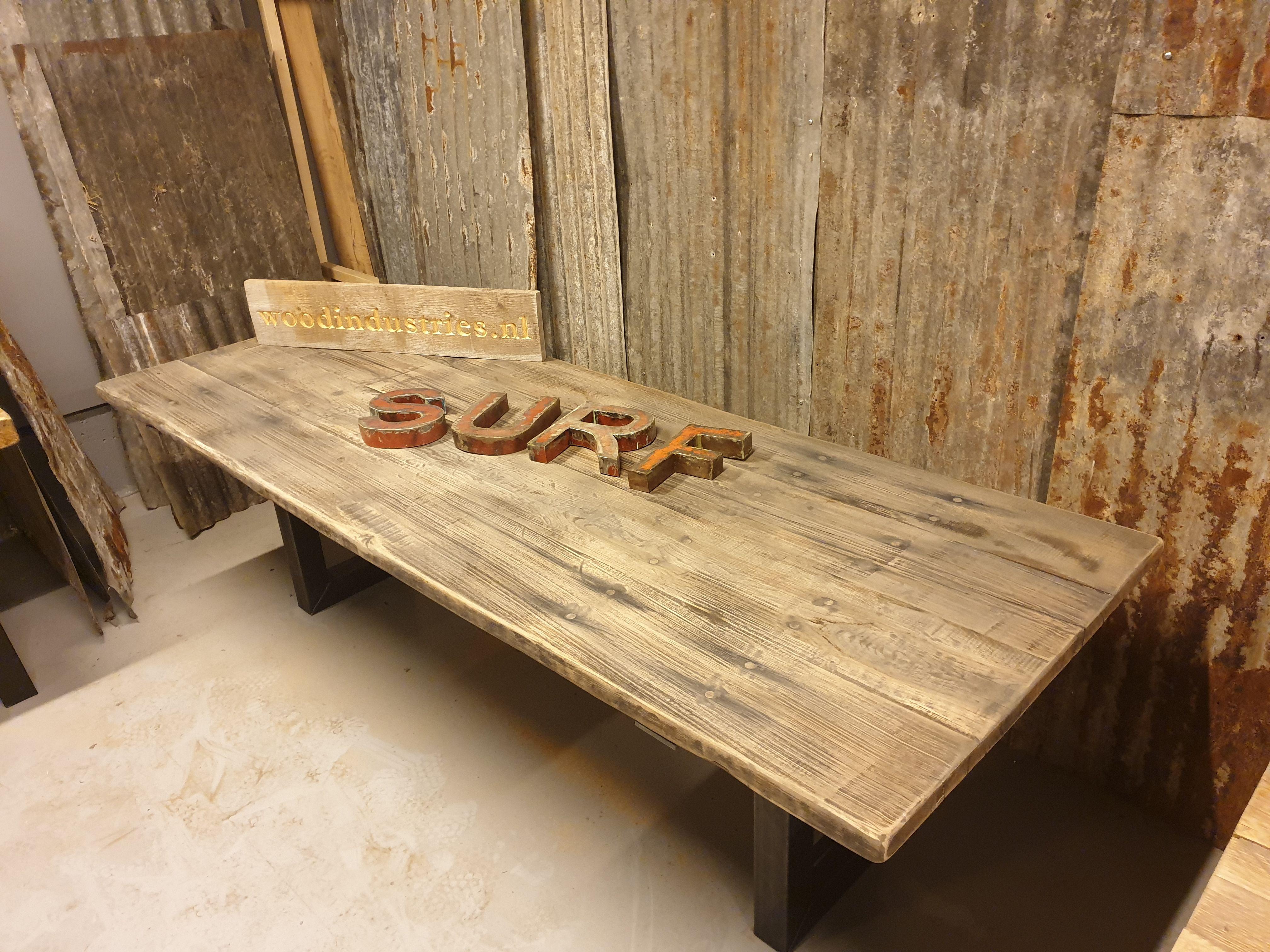 Eiken tafel gebinten barnwood in 2019 Industriële tafel