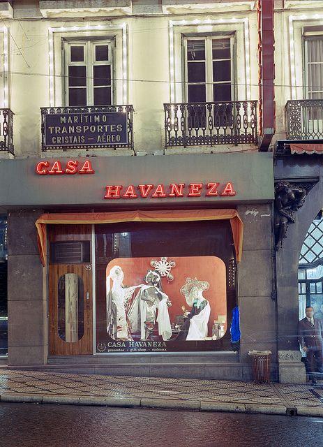 Casa Havaneza, Lisboa, Portugal by Biblioteca de Arte-Fundação Calouste Gulbenkian, via Flickr