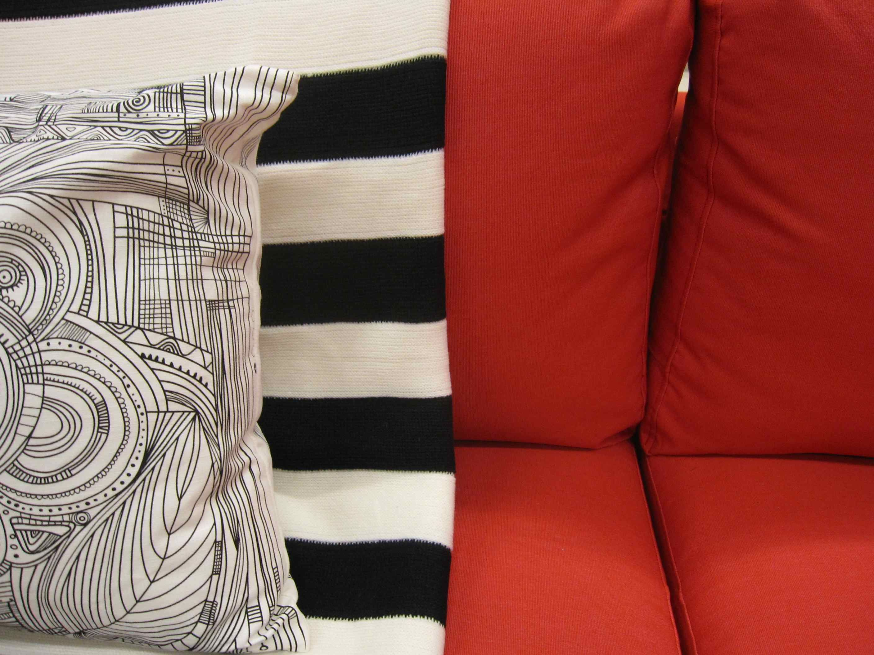 7 Ideas for Happy Colour | Red sofa, Black, white pillows ...