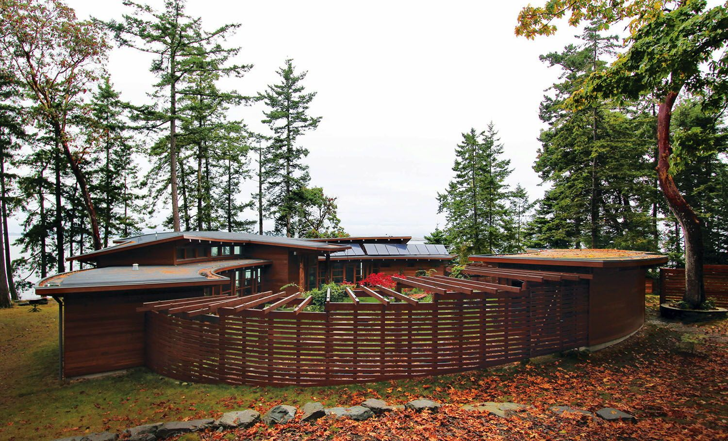 Photo of Off-grid place of dwelling for ebook fanatics within the Gulf Islands