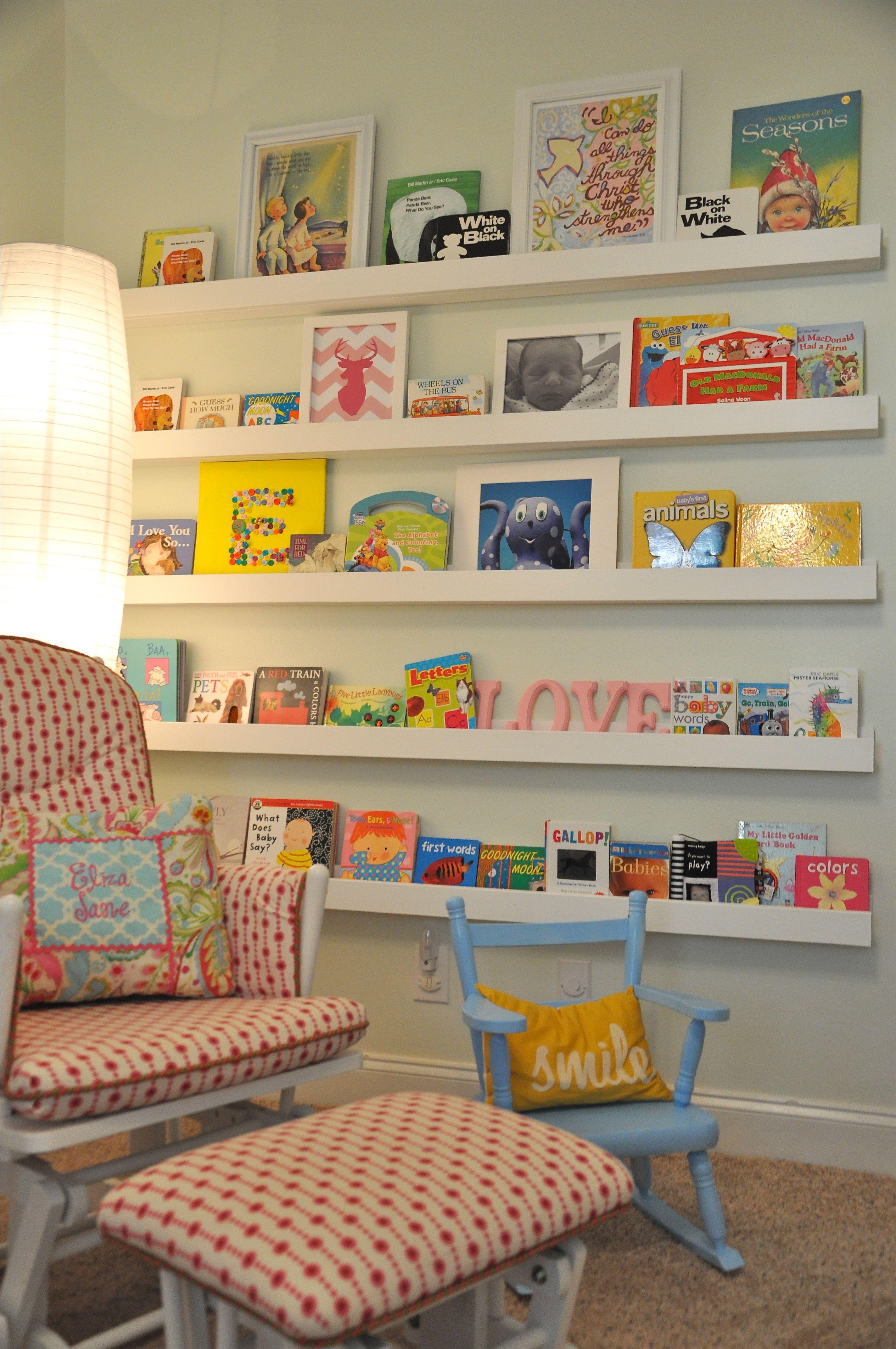Estantes para libros y cuadritos deco bebe pinterest for Estantes para cuartos