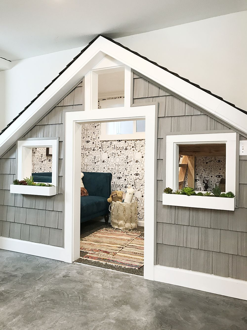 Photo of Before And After: The Sweetest Small Indoor Playhouse!
