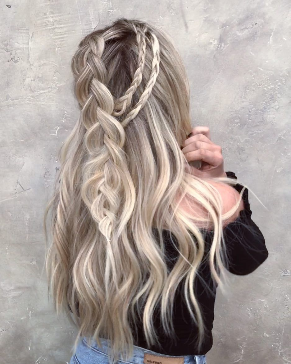Messy Braided Hairstyle With Long Hair Women Long Hairstyles For Summer Messy Braided Hairstyles Braided Hairstyles Hair Styles
