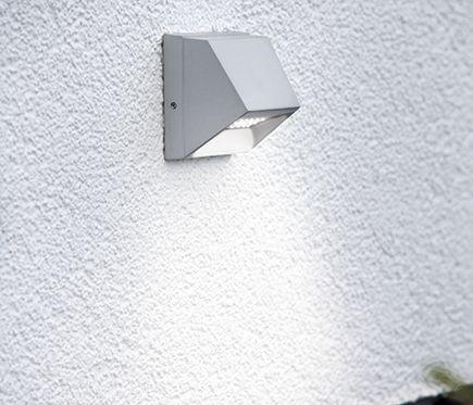 Aplique Wall Ref 18653530 Leroy Merlin Iluminacion Exterior Apliques De Exterior Lamparas Para Exteriores