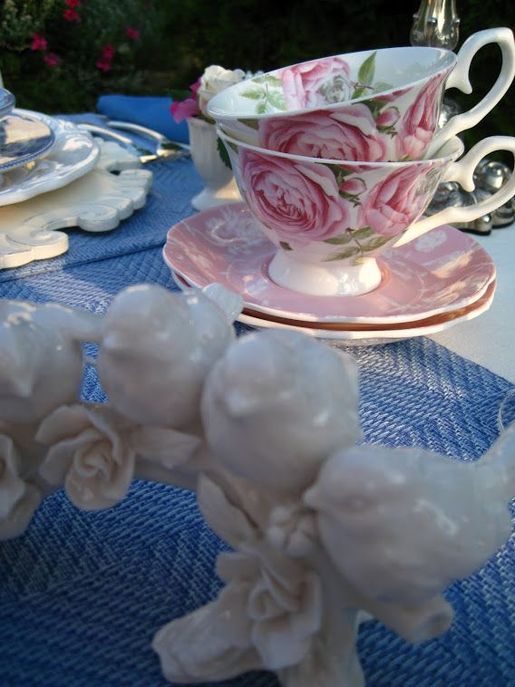 Rosemary and Thyme: Vintage Spode Fleur-Di-Lis Tea Cups