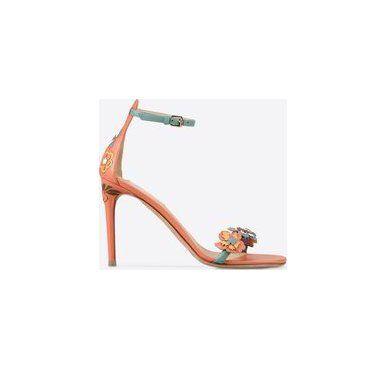 Échale un vistazo a estos zapatos en Stylect Zapatos Pinterest Pinterest Zapatos e32180